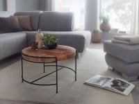 Design  Auffaelliger Couchtisch im angesagten Industrial-Stil Massive Tischplatte mit spannender Maserung Fester Stand dank des filigranen und robusten...