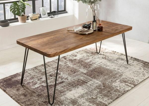 Sie sind auf der Suche nach einem modernen und praktischem Esstisch fuer Ihr zuhause? Massivholz Esstische von WOHNLING.   Wofuer geeignet? Durch die kompakte Groesse von ca. 120 x 80 cm ideal als Speisetisch in kleinen Essbereichen oder Kuechen geei