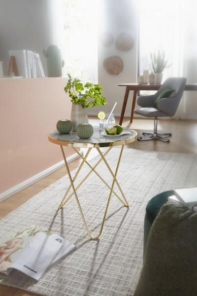 Design  Edler Beistelltisch mit einer runden Tischplatte Das filigrane Tischgestell rundet das moderne Design ab Abmessungen  Breite: 55 cm Hoehe: 57 cm Tiefe: 55 cm Tischplatte: Ø 52 cm Tischrandstaerke: 3 cm Farbe  Tischplatte: Weiss (Marmor-Optik