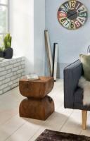 Design  Ein Beistelltisch im schlichten, rustikalen Design mit abgerundeten Ecken Die Form des Tisches erinnert an eine Sanduhr Stilvolle Maserung sorgt fuer...