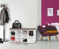 Design  Moderne Garderobenbank mit unkomplizierte Formen Viele Faecher zur Unterbringung der Schuhe Sitzflaeche mit braunem Bezug Abmessungen  Breite: ca....