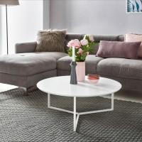 Design  Couchtisch in zeitlosem, modernem Design  Eine runde grosszuegige Tischplatte Weisses Metall-Beingestell Abmessungen  Gesamthoehe: 33 cm Durchmesser...